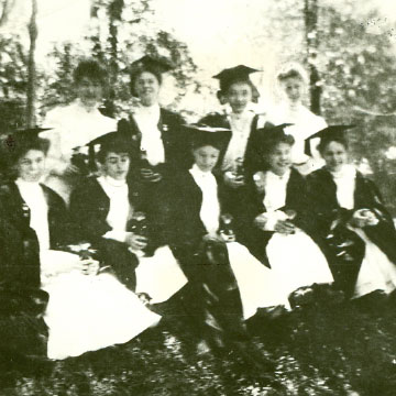 Class of 1905 at the 4th and Turner location